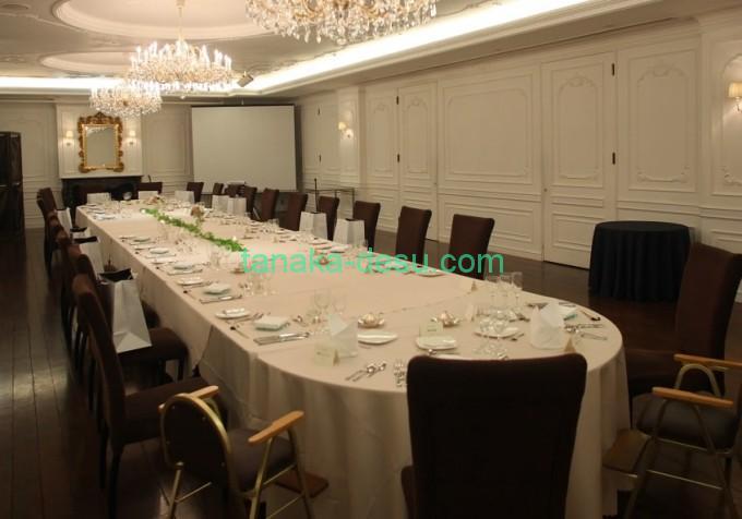 結婚式の長テーブル
