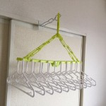 ふすまや窓枠、鴨居(かもい)に5秒で取り付OK室内洗濯物干し