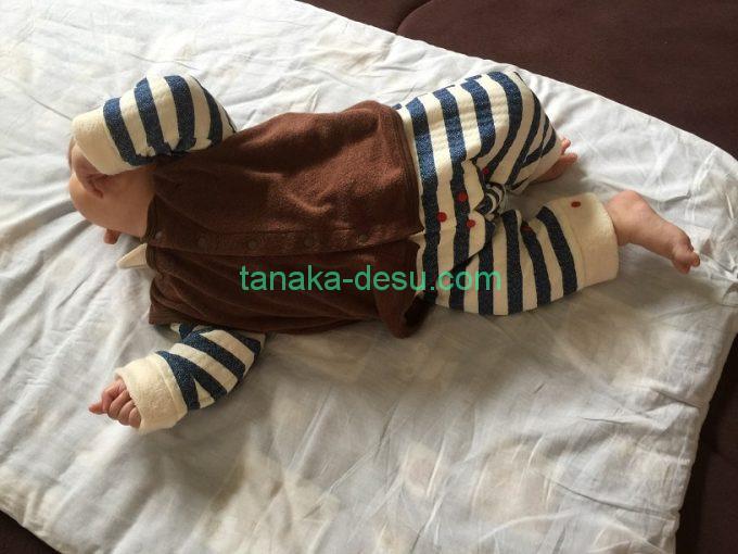 秋服の赤ちゃん