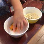 手づかみ食べはいつまで?と思ってたけど勝手にスプーンを使い始めた