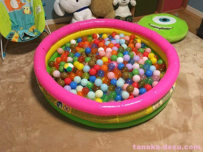 幼児部屋のボールプール